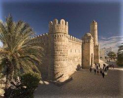 Тунис ввел налог на выезд туристов из страны