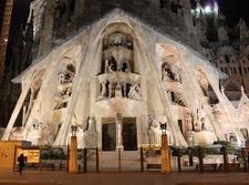 Фасад Страстей Христовых храма Святого Семейства будет готов через два года