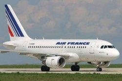 Лайнер Air France совершил вынужденную посадку в Канаде из-за нетрезвой пассажирки