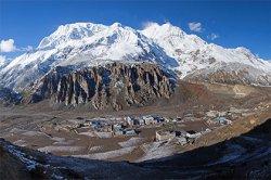 Четверо туристов погибли в Гималаях из-за метели