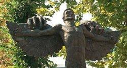 В Болгарии есть единственный в своем роде памятник Зависти