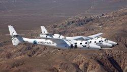 Космическое турагентство Ричарда Бренсона продолжит работу, несмотря на крушение челнока