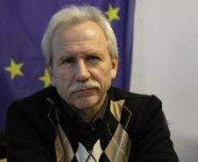 В аэропорту Франкфурта известному политологу Валерию Карбалевичу  запретили  въезд в Западную Европу со словацкой визой (дополнено)