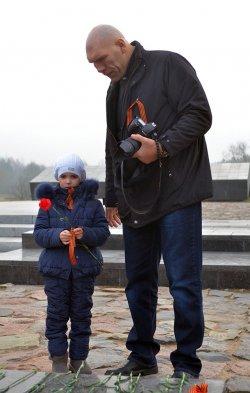 Николай Валуев посетил Хатынь вместе с российскими школьниками