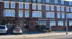 Отель оштрафовал британскую пару за плохой отзыв на TripAdvisor