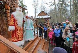 Церемония зажжения новогодних огней пройдет в поместье белорусского Деда Мороза в Беловежской пуще