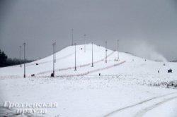 Горнолыжная трасса в Коробчицах из-за теплой погоды пока не может принять отдыхающих