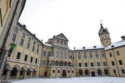 Несвижский замок приглашает туристов на рождественские каникулы в стиле XIX века