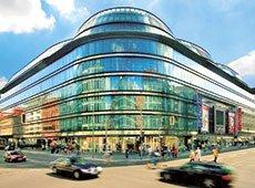 Выгодно ли ехать за покупками в соседние страны или лучше присмотреться к предпраздничным акциям белорусских магазинов?