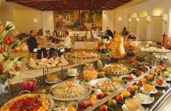 Туристы в отелях предпочитают плотный и разнообразный завтрак