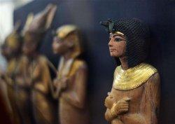 В Каирском музее после реставрации открылась галерея Тутанхамона, в Луксоре – древняя статуя