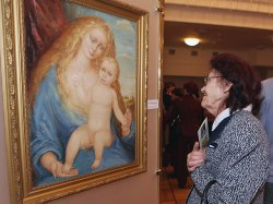 В Доме Москвы в Минске открылась выставка Алексея Кузьмича «Окрыленный Мадоннами»