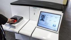 В аэропортах Швейцарии появятся терминалы для автоматической проверки паспортов
