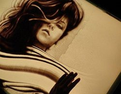 Шоу песчаных картин белорусского художника Юрия Пташинского представлено на Сардинии