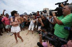 Бразилианки устроили топлес-протест за право ходить на пляже топлес (+видео)