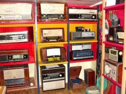 В музее истории и культуры Новополоцка выставлена частная коллекция ретроэкспонатов радиоприемников