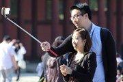 «Палочки для селфи» стали самым популярным товаром для туристов
