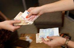 Будем скучать по евро и долларам! О чем говорят в минских турфирмах?