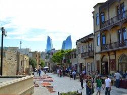 Приток туристов в Азербайджан увеличится до 5 миллионов в год