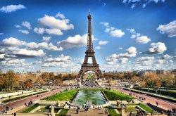 Париж по-прежнему привлекателен для туристов