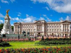 Этим летом в Букингемском дворце туристов ждет королевский прием