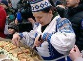 Двухметровый драник испекли в «Панском маёнтке «Сула» в Минской области