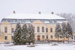 Фотофакт: В Святске реконструкция дворца идет уже шесть лет