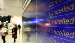Во Франции отменены десятки авиарейсов
