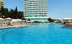 На болгарском курорте Солнечный День обрушился отель «Вероника»: погибло четверо рабочих
