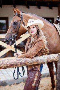 На родео «Золотая шпора-2015» будет представлено уникальное и крупнейшее в Беларуси конно-трюковое шоу
