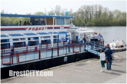Сколько стоит прогулка на теплоходе по реке Мухавец?