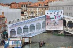 Венеция закрыла на реставрацию главный мост Канала-Гранде