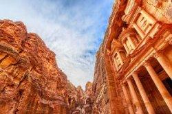 Иордания отменяет плату за визу