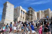 Доход от российских туристов в Греции упал на 73,2%