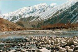 Таджикистан закрывает туристический регион Бадахшан для иностранцев: постоянные обстрелы с территории Афганистана