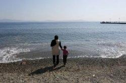 Мигранты испортили курортную атмосферу на греческом острове Кос. Туристы недовольны