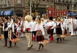 Программа вечеринок и фестивалей в курортных центрах Черногории на июнь