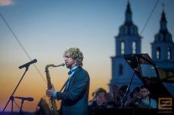 Выходные: музыкальный фестиваль в Мирском замке, велопутешествия и джаз-з-з!