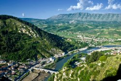 Албания временно отменила визы для граждан Беларуси