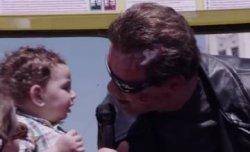 Оригинальный старт фильма «Терминатор: Генезис»: Шварценеггер напугал туристов в музее Тюссо в Голливуде