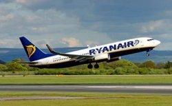 Итальянские туристы погнались за улетающим самолетом