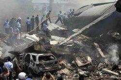 Число жертв авиакатастрофы в Индонезии превысило 140 человек