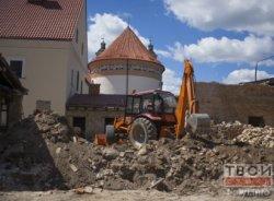 В Гродно во время реконструкции снесли часть стены бригитского монастыря. Игорь Лапеха: «Будем надеяться, что это необходимая мера!»