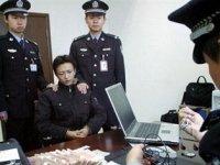 Китай депортировал 20 туристов из-за Чингисхана