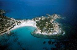 Туристов эвакуируют из отелей Сардинии из-за пожаров