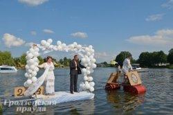 На Августовском канале сразятся в «болотный» футбол и поплывут «на чем попало»