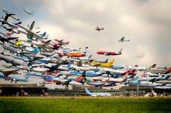 Белорусы спешат на море: на август свободных мест в самолетах все меньше и меньше!