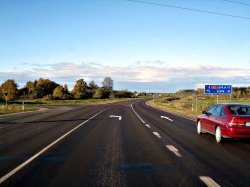 В Латвии могут запретить ездить по «полуполосе»