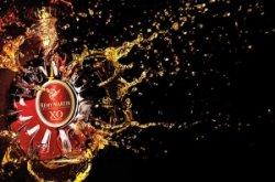 Китаянка залпом выпила бутылку коньяка, после того как ей не позволили взять его в самолет