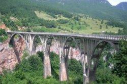 Мост Джурджевича через реку Тару в Черногории реконструируют